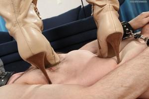 Under-feet-Mistress-Mia-femdom-feet-dog-slave-soles-577haodhj2.jpg